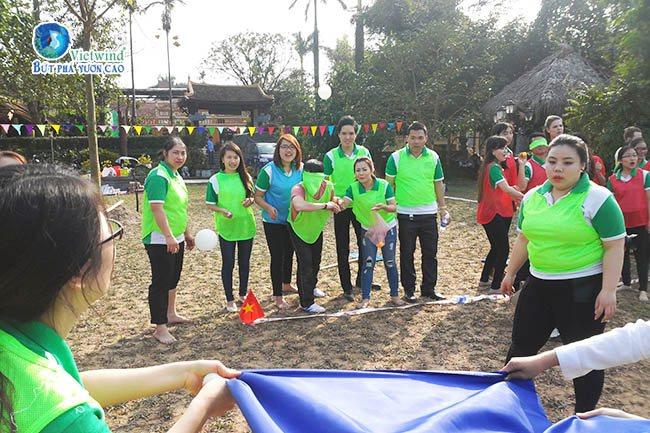 tro-choi-team-building-nem-trung-vietwind-1