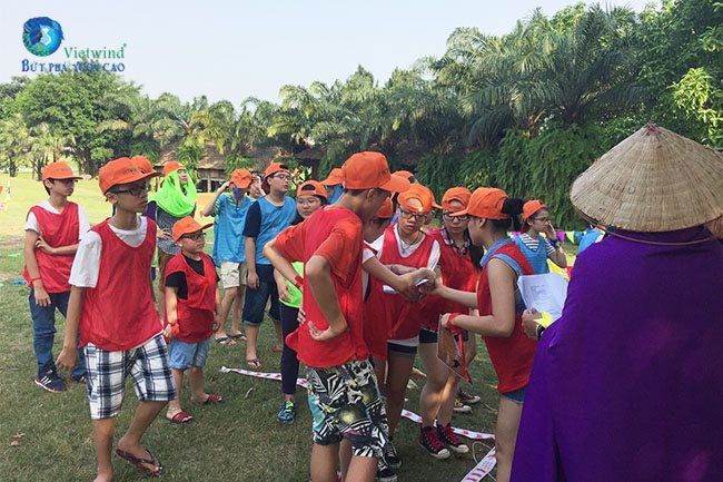 to-chuc-team-building-7a1-vietwind-team-building-4