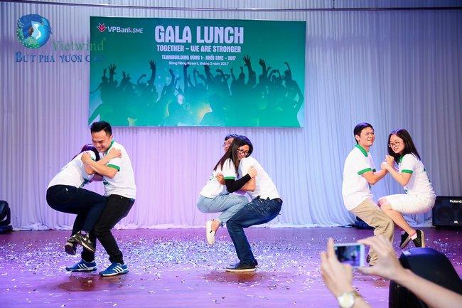 team-building-ket-hop-gala-lunch-vp-bank-vietwind-37