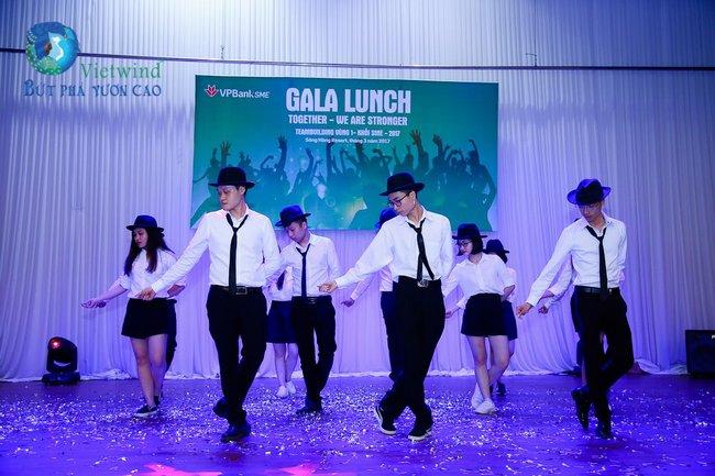 team-building-ket-hop-gala-lunch-vp-bank-vietwind-40